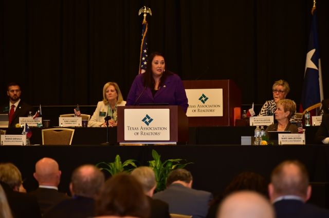Elizabeth Mendenhall, 2017 NAR president elect, addressed the TAR Board of Directors during its meeting Monday.